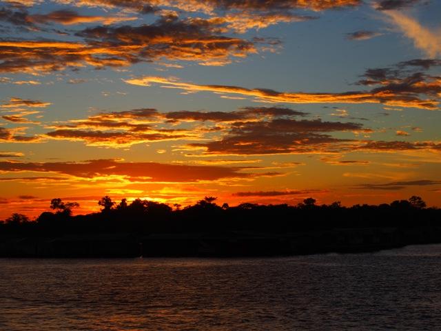 Rejs przez Amazonkę, zachód słońca, Brazylia