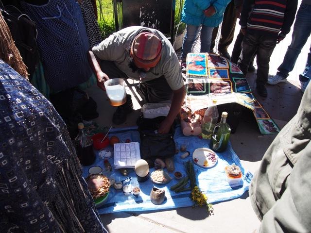 Uzdrowiciel, w drodze na Wyspę Słońca (Isla del Sol), Boliwia