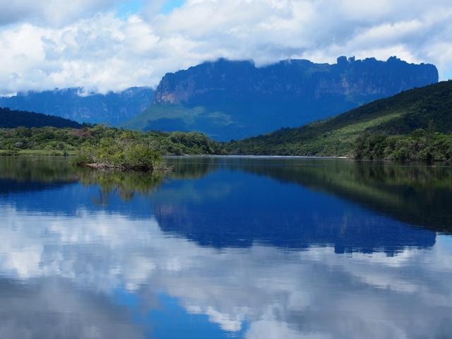 Góry stołowe, Canaima, w drodze do Salto Angel, Wenezuela