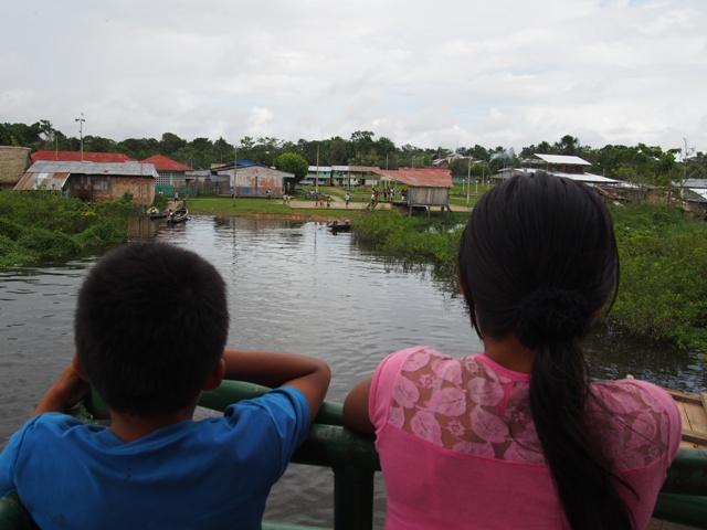 Na statku, Amazonia, Peru